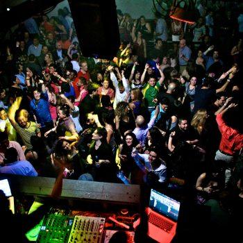 Colombian_Party_Cartel._Photo_by_Ellen_Ordóñez_for_Colombian_Party_Cartel